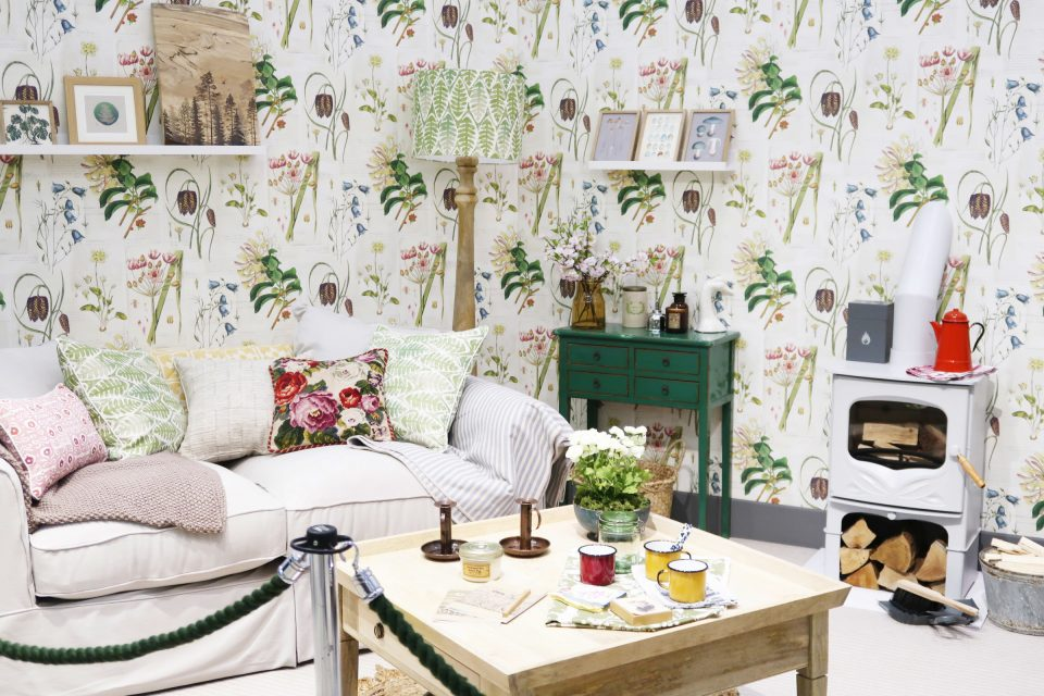 Baxter Country Living Wallpaper